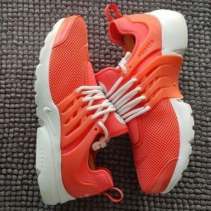 New women's Nike Air Presto premium